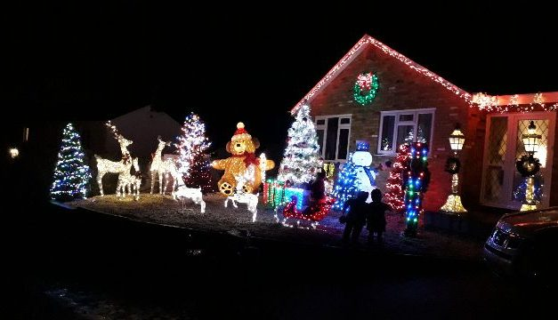 Christmas light display raising money for Macmillan Cancer Support