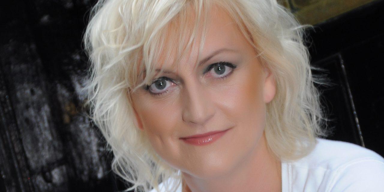 Marvellous Mum – Debbie Morris