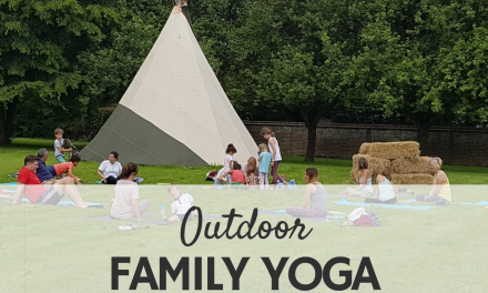 OUTDOOR FAMILY YOGA