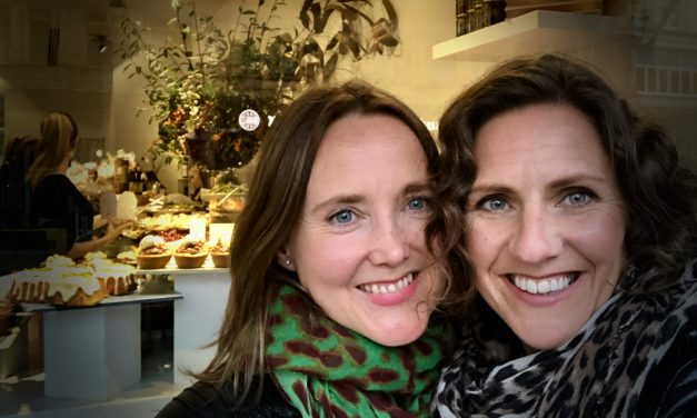 5 MINUTES WITH JEANETTE & SALLY FROM THE PRETTY WITTY COMPANY